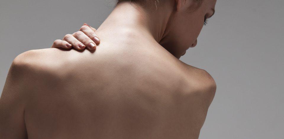 肩コリ、首コリ、肩甲骨のコリ、ハリの原因